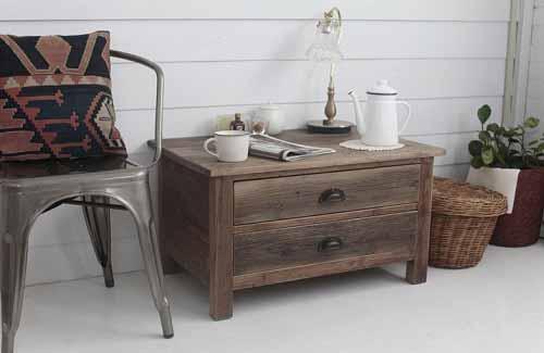 コーヒーテーブル小さめ